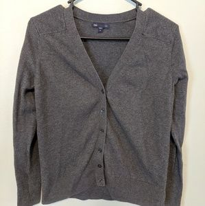 Women's Gap size M sweater 3/4 length sleeves